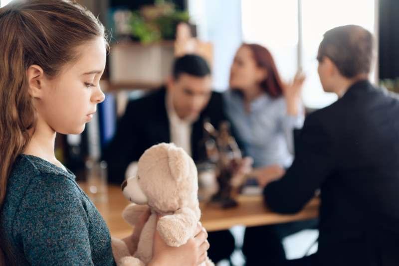 איך להתגרש נכון ולא לפגוע בילדים